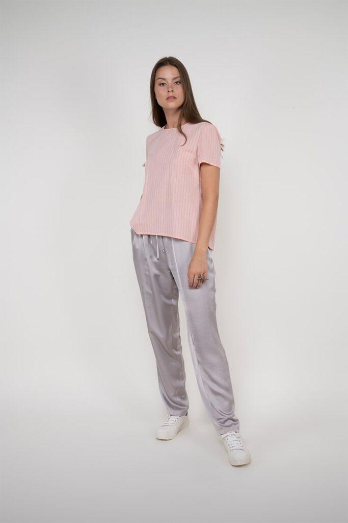 Sembol Giyim Sırtı Güpür Detaylı %100 Pamuk Kadın Bluz 1876
